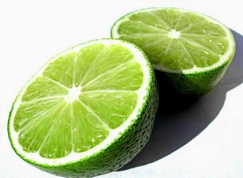 Chanh chứa nhiều dưỡng chất có tác dụng nuôi dưỡng làn da sáng mịn