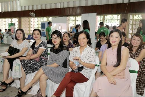 Tiếp nối hành trình tôn vinh nhan sắc Việt, thương hiệu Thu Cúc trong ngày 20/05 vừa qua đã đến xứ Nghệ với sự kiện diễn ra tại Nhà văn hóa Lao động tỉnh Nghệ An (số 6 đường Lê Mao – Tp. Vinh)