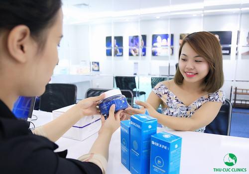 Khách hàng sẽ được tư vấn về cách chăm sóc da sau khi kết thúc liệu trình triệt lông tại Thu Cúc Clinics