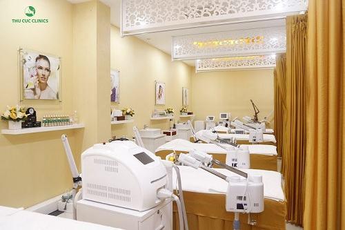 Phòng triệt lông công nghệ cao tại Thu Cúc Clinics.