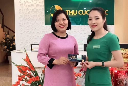 Chị Nguyễn Thị Minh Ngọc – người may mắn nhận được giải thưởng lớn trong hành trình tri ân của Thu Cúc Clinics