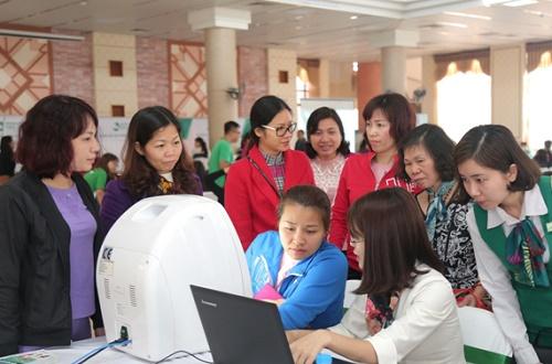 Nếu như ở Bắc Ninh, các giải pháp điều trị công nghệ cao rất được các chị em quan tâm thì phái đẹp tại vùng đất miền Trung nắng gió Thanh Hóa lại ưa chuộng những dịch vụ chăm sóc da ở nhiều cấp độ