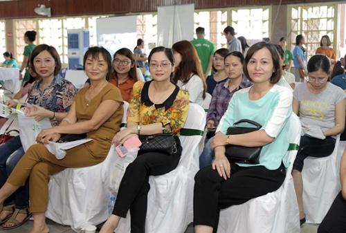 Nụ cười rạng rỡ của các chị em xứ Nghệ khi vừa được soi da, tư vấn làm đẹp lại nhận được ưu đãi đến 45% các dịch vụ làm đẹp tại Thu Cúc Clinic Vinh khi đăng ký tại sự kiện diễn ra ngày 20/05 vừa qua.