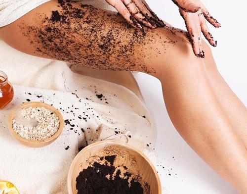 Trị viêm lỗ chân lông bằng bã cà phê vừa hiệu quả, vừa không tốn kém.