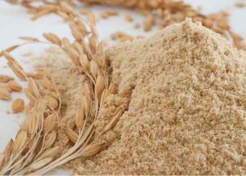 Nhờ khả năng tẩy tế bào chết và nuôi dưỡng da, cám gạo là nguyên liệu hàng đầu để trị viêm lỗ chân lông hiệu quả.