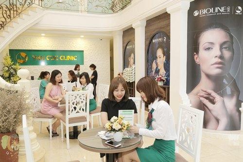 Thu Cúc Clinics là địa chỉ chăm sóc và điều trị thẩm mỹ da uy tín lâu năm, được hàng triệu khách hàng tin chọn.