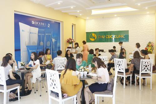 Đông đảo khách hàng tin chọn Thu Cúc Clinics để làm đẹp