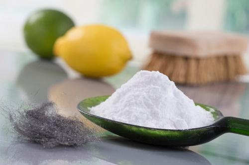 Baking soda có chứa các thành phần dưỡng chất giúp làm mờ dần những vết sẹo mụn trứng cá.