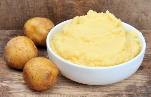 Khoai tây không những làm đẹp da còn chống rạn da sau sinh an toàn.