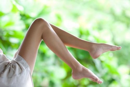 Nhiều chị em gặp tình trạng nám da xuất hiện ở chân