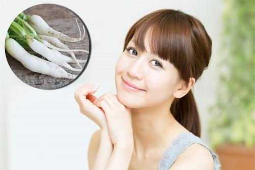 Trong của cải trắng có chứa nhiều Vitamin C có tác dụng hạn chế sự hình thành của sắc tố melamin.