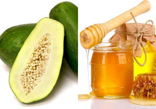 Nước ép đu đủ kết hợp với mật ong có tác dụng điều trị tàn nhang nhanh chóng.