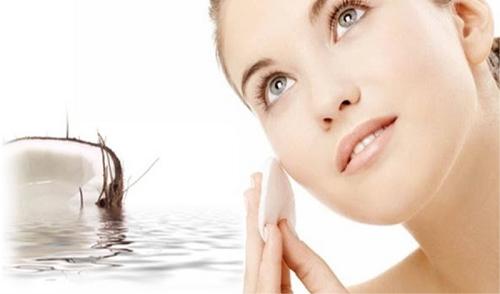 Công thức trị nám bằng dầu dừa nguyên chất an toàn và thích hợp cho mọi loại da.