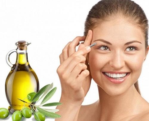 Dầu oliu có tác dụng kích thích mọc tóc, dài mi, làm rậm lông mày rất hiệu quả.