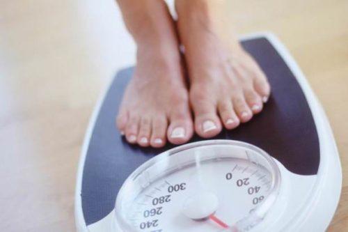 Kiểm soát tình trạng cân nặng giúp giảm nguy cơ gây rạn da.