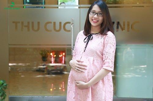 Khách hàng tư vấn điều trị rạn da trong quá trình mang bầu.