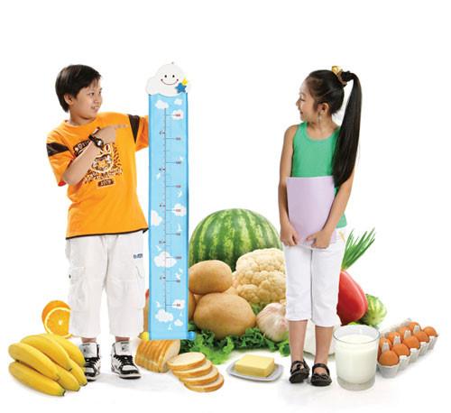Chế độ ăn uống khoa học giúp hạn chế tình trạng rạn da hiệu quả.