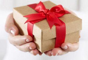 Đừng chờ đàn ông mang quà đến – Phụ nữ ơi, hãy tự thưởng cho mình!