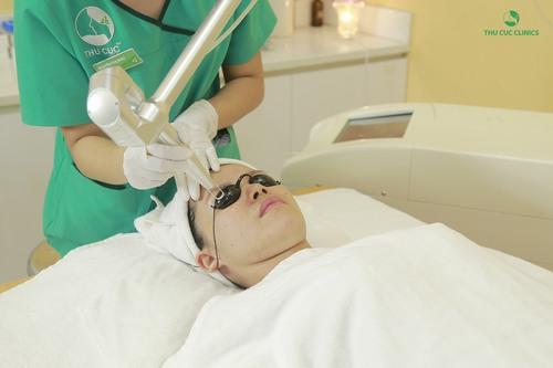 Thu Cúc Clinics đang ứng dụng trị tàn nhang bằng công nghệ Laser YAG, giúp loại bỏ tàn nhang lên tới 95%.