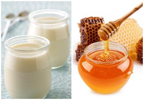 Cuối cùng là cách làm trắng da bằng mật ong, sữa chua