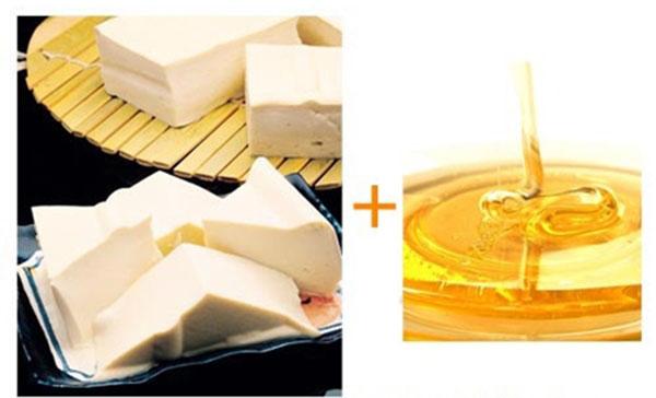 Sử dụng kết hợp đậu phụ với mật ong để làm công thức làm trắng da mặt hiệu quả