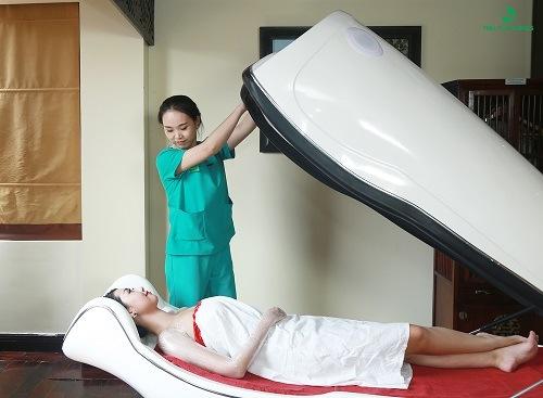 Phương pháp tắm trắng bằng phi thuyền với công thức chiết xuất từ thiên nhiên mang lại làn da trắng hồng, rạng rỡ chỉ sau thời gian ngắn, phù hợp với mọi loại da