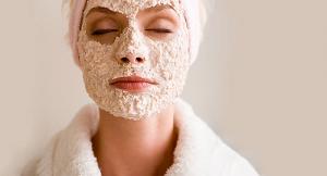 Có nên đắp nhiều mặt nạ cùng một lúc để giảm mụn đầu đen?
