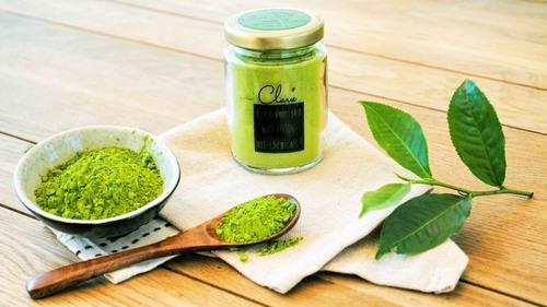 """Trong các nguyên liệu thiên nhiên, trà xanh được xếp đầu tiên về khả năng """"đánh bật"""" các vết nám trên da."""