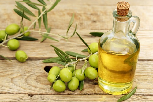 Mặt nạ mật ong, chanh, dầu oliu là công thức làm đẹp tự nhiên tại nhà an toàn và hiệu quả.