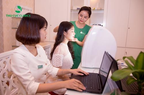 Tuân thủ nghiêm ngặt theo đúng quy trình đạt chuẩn Bộ Y tế, trước khi lựa chọn liệu pháp chăm sóc da, thí sinh sẽ được thăm khám, soi da kĩ lưỡng
