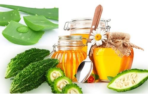 Kết hợp khổ qua với mật ong và chanh sẽ tạo thành nguyên liệu trị nám hiệu quả.