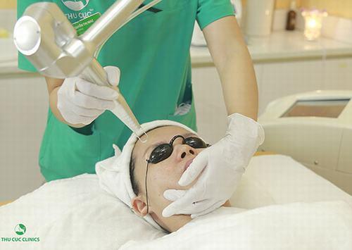 Thu Cúc Clinics đang ứng dụng phương pháp trị nám da bằng công nghệ Laser YAG, giúp loại bỏ nám da hiệu quả khoảng 95%.