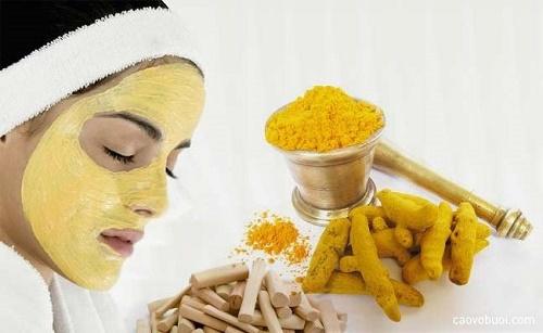Kết hợp khoai tây và bột nghệ sẽ tạo nên mặt nạ tự nhiên trị nám an toàn và phù hợp cho mọi loại da.