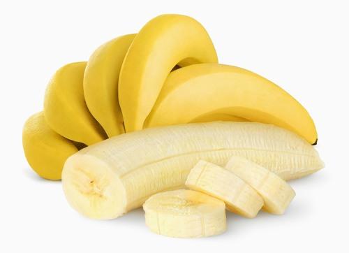 Với thành phần giàu protein, kali, chuối sẽ hỗ trợ làm sáng da, xóa mờ tàn nhang, giúp làn da mịn màng hơn.