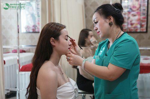 Thu Cúc Clinics đang ứng dụng đa dạng các phương pháp phun thêu lông mày đem lại hiệu quả thẩm mỹ tối ưu.