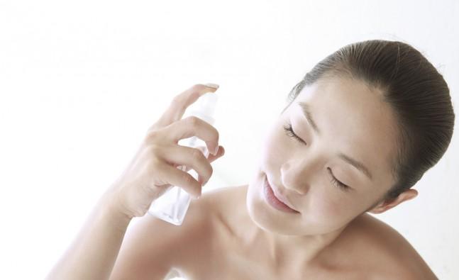 Thường xuyên dưỡng ẩm để cấp nước, dưỡng da luôn căng mịn