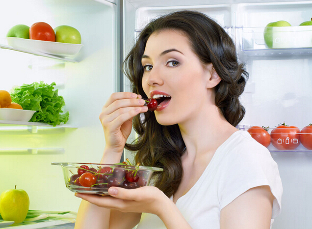 Duy trì chế độ ăn uống lành mạnh để nuôi dưỡng làn da sáng khỏe từ bên trong