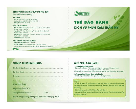 Khách hàng sau thực hiện phun xăm tại Thu Cúc Clinics được cấp thẻ bảo hành