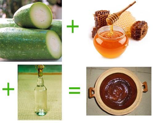 Đừng quên trộn đều bí xanh + mật ong + rượu gạo + bột ca cao để đặc trị tàn nhang