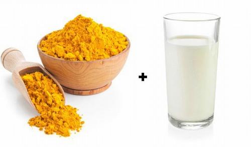 Khi kết hợp bột nghệ với sữa tươi thì hiệu quả chữa tàn nhang còn tăng lên gấp đôi.