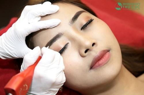 Phun thêu lông mày Thái Lan sử dụng công nghệ và màu mực độc quyền từ đất nước chùa Vàng.