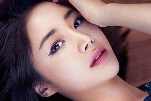 Phương pháp xăm mí mắt tạo nên đường mí mắt giúp đôi mắt trở nên sắc sảo, rõ nét hơn.