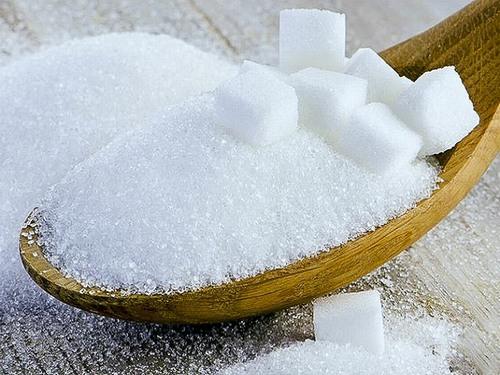 Ngoài tác dụng tẩy da chết thì đường còn có tác dụng xóa mờ các vết rạn da trên cơ thể phụ nữ sau sinh.