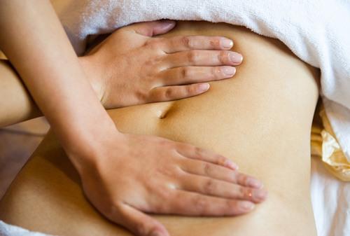 Nếu bạn dùng gừng tươi massage đều đặn thì tình trạng này sẽ được cải thiện, da sẽ trở nên săn chắc, trẻ trung và căng tràn sức sống.