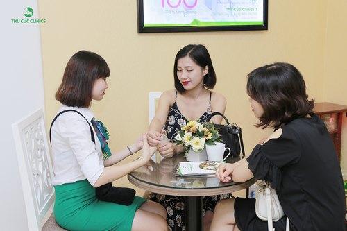 Rất đông khách hàng triệt lông nách tại Thu Cúc Clinics