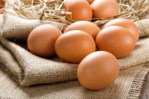 Mách bạn cách trị mụn bằng trứng gà