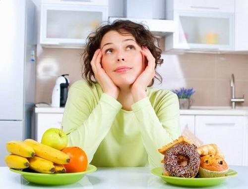 Chế độ ăn được xem là một trong những yếu tố quan trọng quyết định tính thẩm mỹ của làn da sau nặn mụn.
