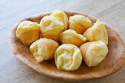 Hãy hạn chế ăn bánh mỳ, mì ống... và thay bằng các thực phẩm được chế biến từ tinh bột để hạn chế nguy cơ hình thành mụn.