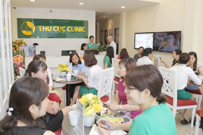 Rất đông khách hàng đã đến Thu Cúc Clinics để đăng ký làm đẹp ngay từ đầu tháng