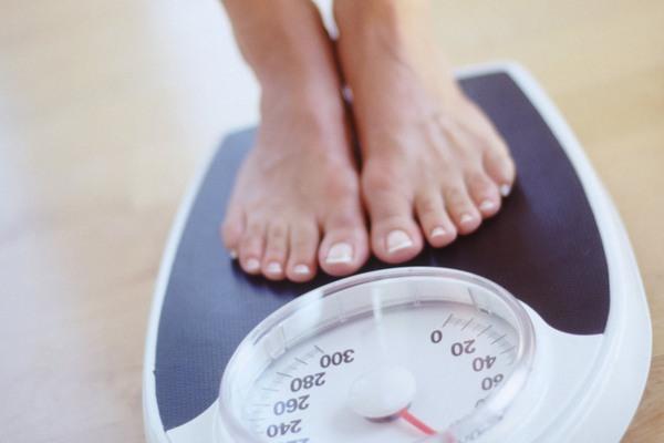 Bạn cần phải theo dõi sát trọng lượng cơ thể, không nên bổ sung quá nhiều dinh dưỡng một cách thiếu khoa học.